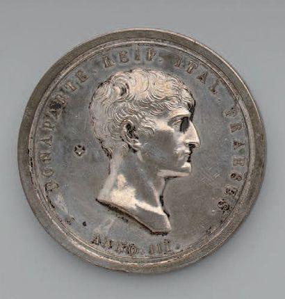 Médaille en argent au profil de Bonaparte,...