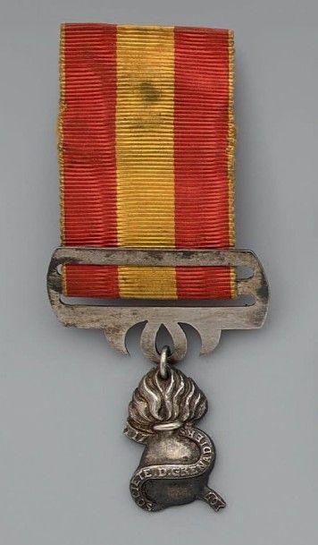 Insigne d'une société d'anciens grenadiers...