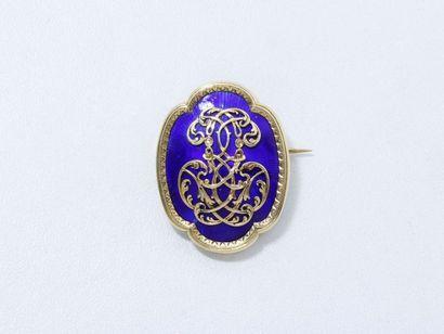 Broche en or 750 millièmes décorée d'un monogramme...