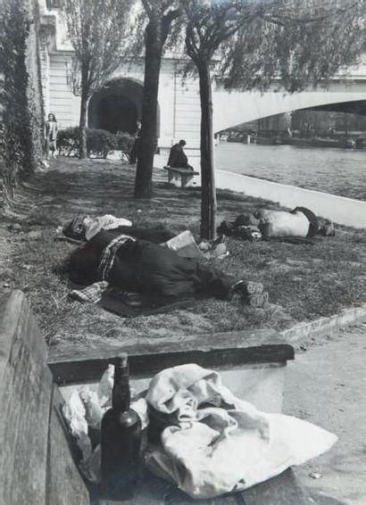 Quai de Seine, 1948 Tirage gélatino-argentique...