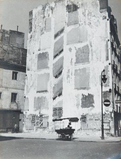 Papiers peints, rue de Seine, 1948 Tirage...