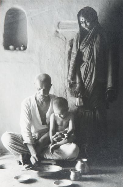 La famille Indienne, Poona, Inde, 1964 Tirage...