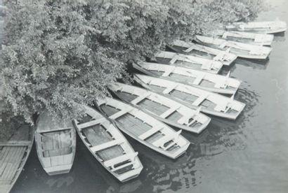 Bord de Marne aux barques, 1955 Tirage gélatino-argentique...