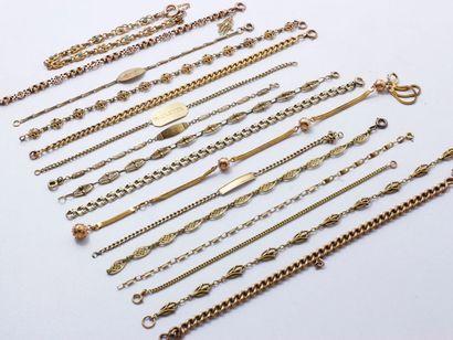 Lot en or 750 millièmes, composé de 15 bracelets,...