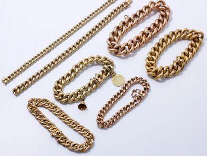 Lot en or 750 millièmes, composé de 7 bracelets...