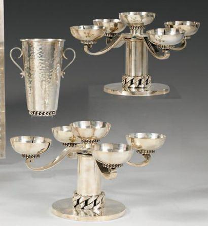 Paire de chandeliers dits « bouts de table...