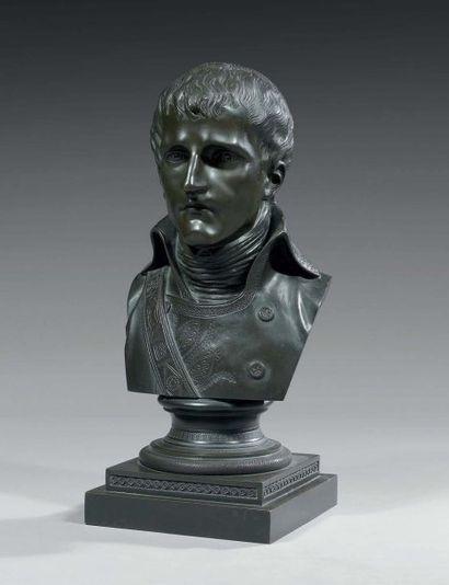 Buste en bronze patiné : Bonaparte premier...