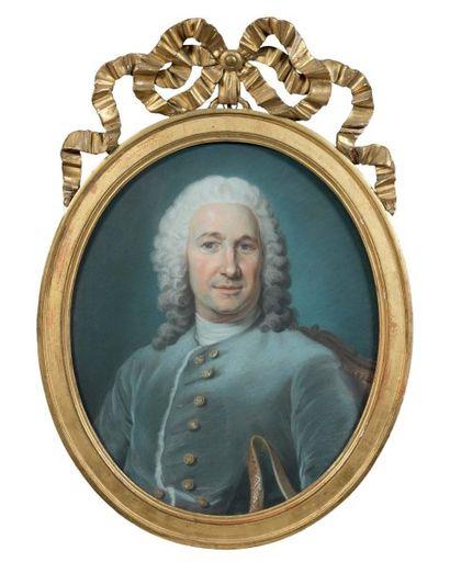 Pastel ovale : portrait d'un officier en...