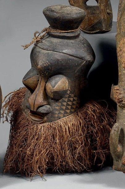 KETE (R.D. du Congo) Masque heaume mulwalwa...