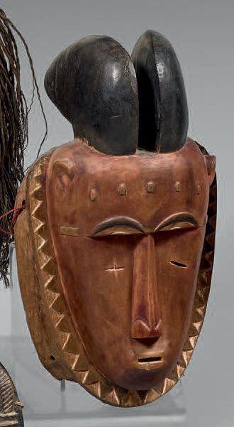 YAOURE (Côte-d'Ivoire) Masque classique au...