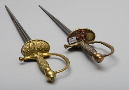Une épée d'officier subalterne modèle 1817/1831...
