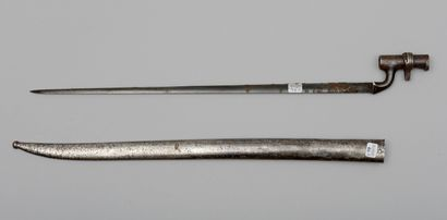 Un fourreau de sabre-baïonnette genre 1866...