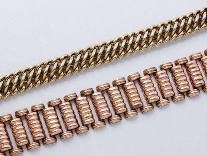 Lot en or 585 millièmes, composé de 2 bracelets...