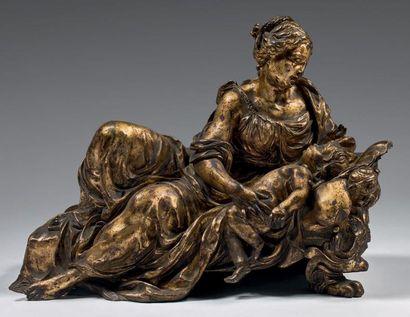 Groupe en bronze ciselé et doré représentant...
