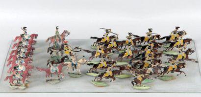 Importante collection de figurines en plat...