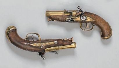 Jolie petite paire de pistolets à silex d'officier de marine, canons à deux registres,...