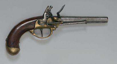 """Pistolet de cavalerie à silex modèle 1777, canon poinçonné et daté: """"82"""" (1782);..."""