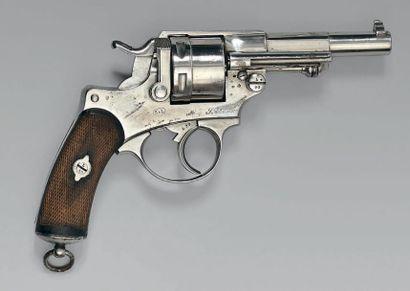 Rare revolver modèle 1884, fabrication de la manufacture de Saint-Étienne pour la...