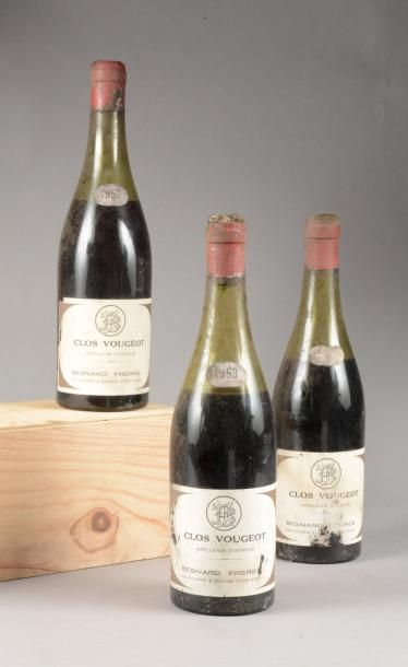 3 bouteilles CLOS-VOUGEOT, Besnard Frères 1953 (es, ea. 2 B dont 1 caps a, 1 V caps...