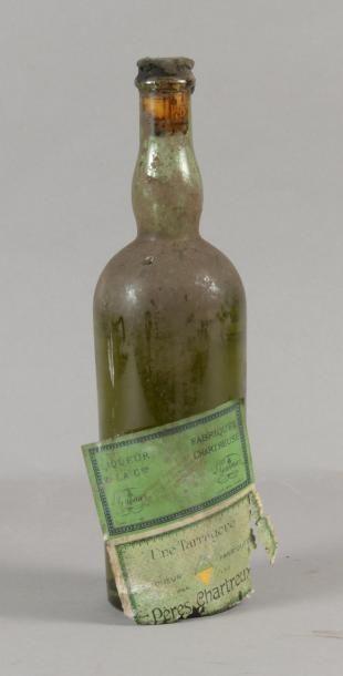 1 bouteille CHARTREUSE «Une Tarragone», Verte (e+J186a, recirée artisanalement mais...