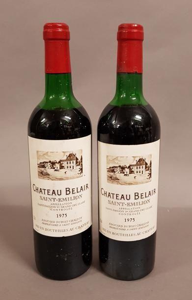 2 bouteilles CH. BELAIR, 1° Grand cru St-Emilion...