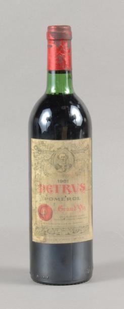 1 bouteille PETRUS, Pomerol 1981 (ets, L...