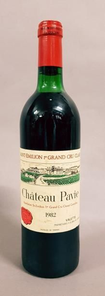 1 bouteille CH. PAVIE, 1° Grand Cru St-Emilion...