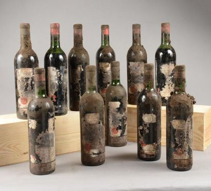 11 bouteilles CH. CHASSE-SPLEEN, Moulis 1959...