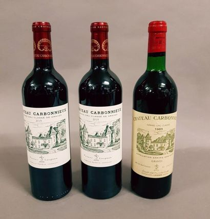 3 bouteilles CH. CARBONNIEUX, Pessac-Léognan...