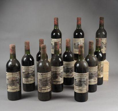 12 bouteilles CH. LARRIVET-HAUT-BRION, Pessac-Léognan...