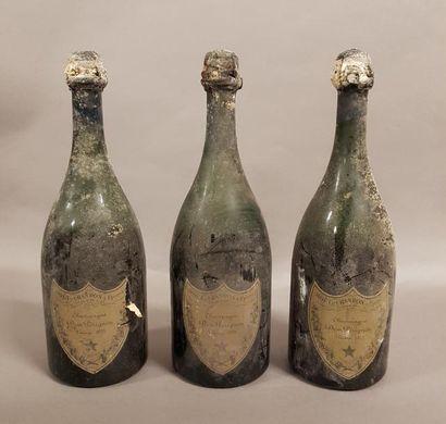 3 bouteilles CHAMPAGNE «Dom Pérignon», Moët...