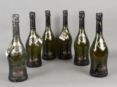 6 bouteilles CHAMPAGNE «La Grande Dame»,...