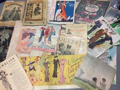 Bel ensemble de plus 26 catalogues de Grands...