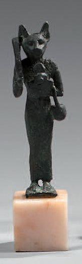 Statuette représentant la déesse Bastet anthropomorphe...