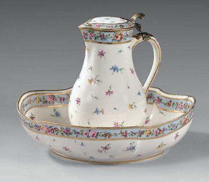 * «Pot à l'eau tourné», son couvercle (1ère...