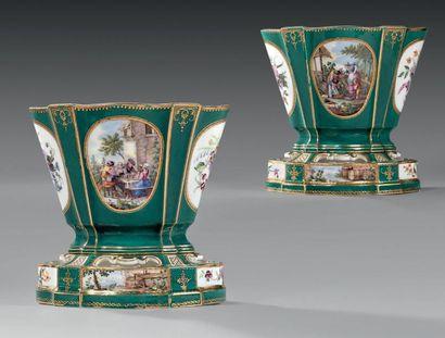 * Paire des vases «Hollandois» (2e grandeur)...