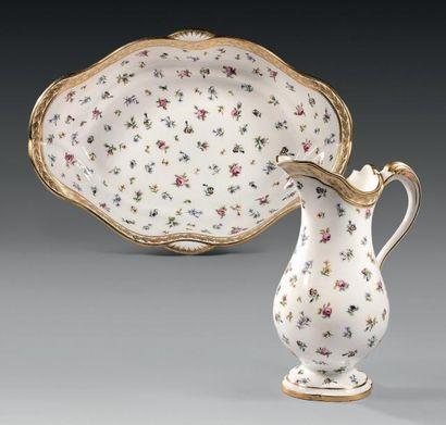 * «Pot à eau à la romaine» et sa «jatte ovale»...