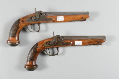 Paire de pistolets à percussion, canons octogonaux...