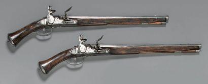 Paire de pistolets d'arçon anglais à silex,...