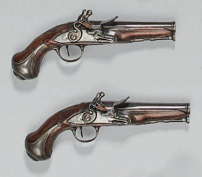 Petite paire de pistolets de voyage à silex,...