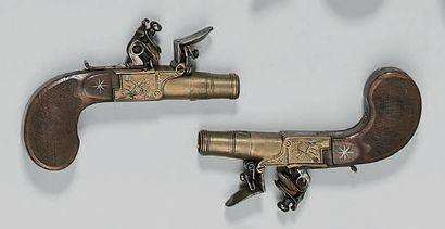 Petite paire de pistolets coup de poing à...