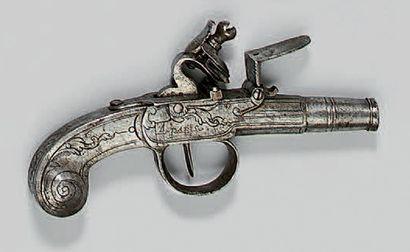 Petit pistolet coup de poing à silex entièrement...