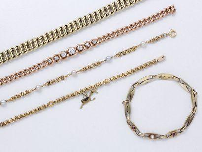 Lot en or 585 millièmes, composé de 5 bracelets,...