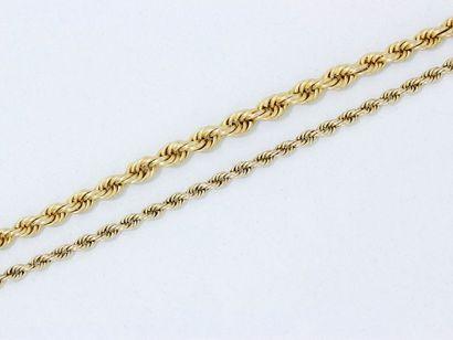 Lot en or 585 millièmes, composé d'un collier...