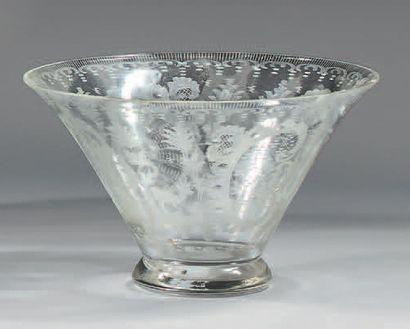 Coupe évasée en cristal gravé à la roue de...