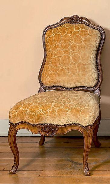Paire de chaises à dossier «à la Reine» en...