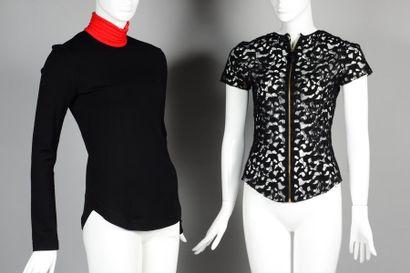 Nina RICCI, GIVENCHY  Lot composé d'une blouse...