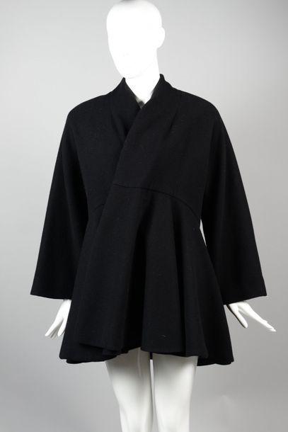 Gianfranco FERRE  Veste en lainage noir,...
