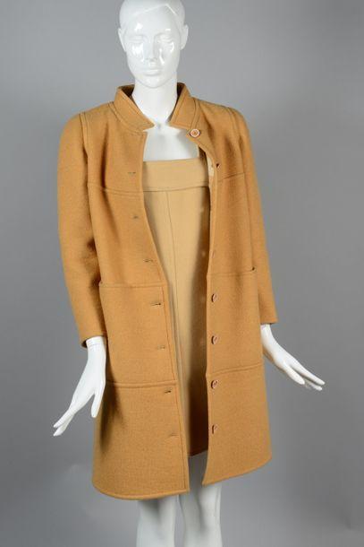COURREGES Paris couture 2001  Manteau en...