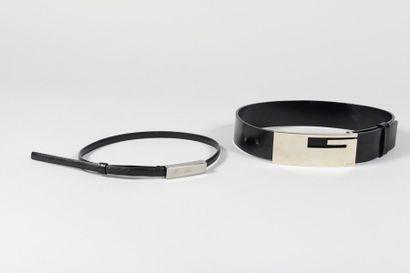 GUCCI  Lot composé de deux ceintures noires,...